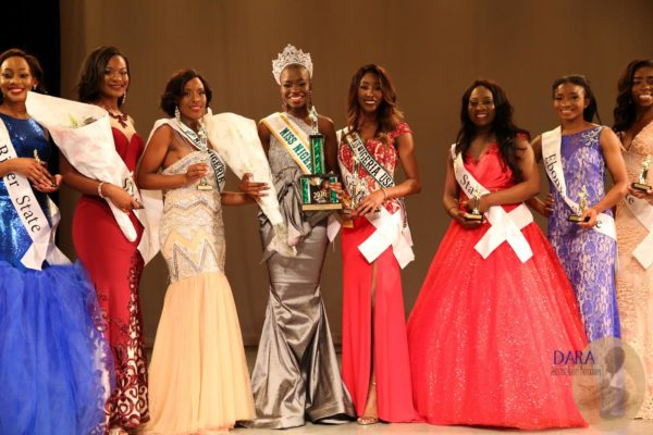 Crowning-Moment-Miss-Nigeria-USA-2016-1-600x400