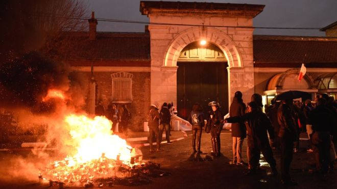 Protests by prison guards in France